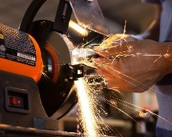 Bench Grinder Review Guide