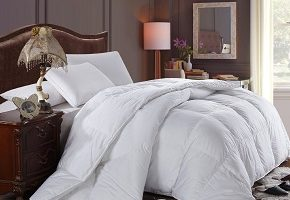 Royal Hotel's 300 Thread Count Goose Down Alternative Comforter